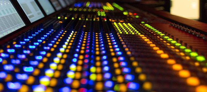 音楽制作オクターブミュージックオフィスのミキサー画像